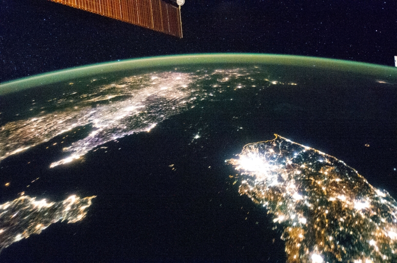 North_and_South_Korea_at_night